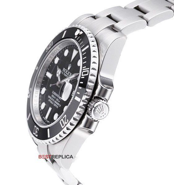 Rolex-Submariner-Black-SS-Date-side